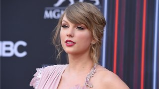 Taylor Swift Only Worries About 'Real Problems Now'