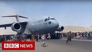 Deaths reported at Kabul airport as Afghans try to flee Taliban - BBC News