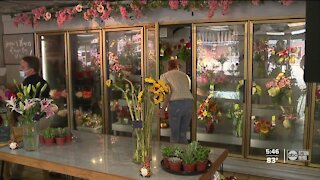 Brides and vendors are dealing with flower shortage