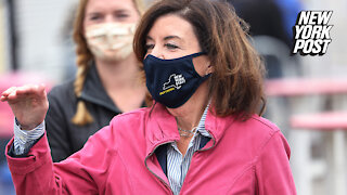 """Kathy Hochul says """"everyone in a school"""" will be wearing masks"""