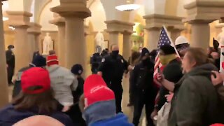 Trump Supports Clash With Police inside US Capitol Building - Mike Pence Evacuated From Capitol