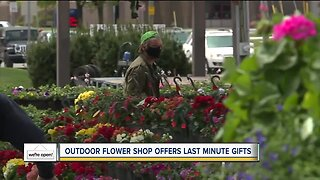We're Open: Outdoor flower shop offers last minute Mother's Day gifts