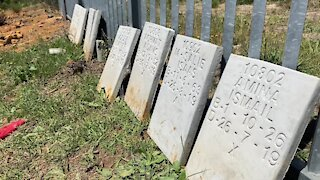 SOUTH AFRICA - Cape Town - Mowbray Muslim Cemetery desecration (Video) (skb)