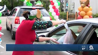 Food and gifts distributed in Boynton Beach