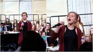 Schoolgirl shocks audience with beautiful version of 'At Last'