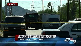 Tucson SWAT respond to barricade situation on south side, suspect in custody