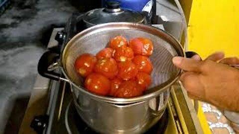 No Hassle Tomato Sauce—Homemade & Delicious