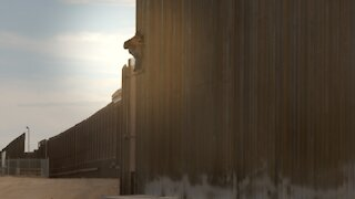 Newsy Captures Border Arrests Of 8 Migrants, Including Kids, On Camera