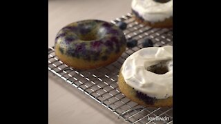 Keto Donuts Stuffed with Blueberry