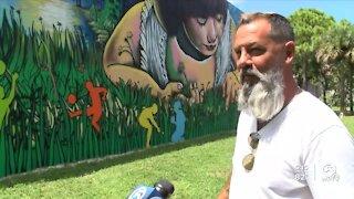Cuban artist creates mural in Greenacres
