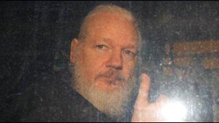 "Simon Parkes: ""Trump will pardon Julian Assange in the next few days"""