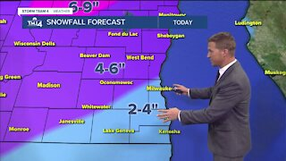 Snow moves in midday Thursday