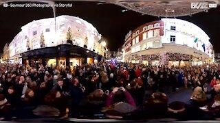 Fantastisk panoramisk udsigt over julelysene i Dublin