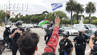 Pro-Israel Rally In Los Angeles As Hamas Supporters Look on