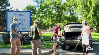 Sunset Neighborhood Association holds community cleanup