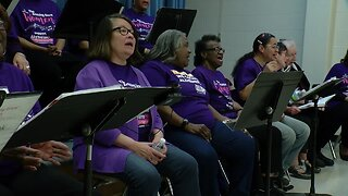 'You can feel the love': Local Alzheimer's patients find their voice through song