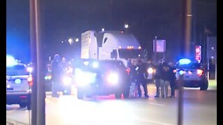 Suspect shot & killed by Detroit police overnight