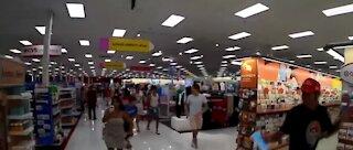 Anti-mask flash mob in Florida