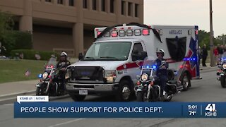 Community lines Independence streets to pay respect to Ofc. Blaize Madrid-Evans