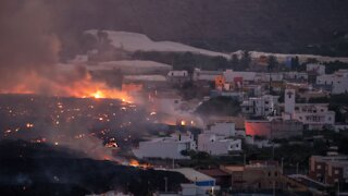 La Palma: Hundreds More Evacuate To Flee Volcano Lava
