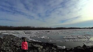 River Ice Berg Time Lapse ~ Cool