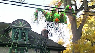 East Aurora home creates spooktacular Halloween display that's going viral