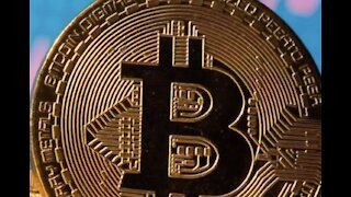 A warning about buying Bitcoin & a possible bubble burst