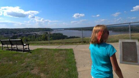 Hannibal, MO ~ Mini Golf ~ Bluff Overlook Mark Twain's Birthplace