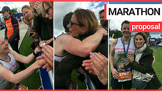 The heartwarming moment a marathon runner proposes to his girlfriend at the end of the race