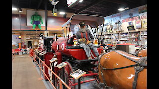 Slideshow Russell's Truck Stop Museum Part 2