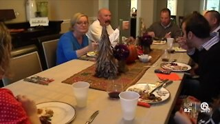 CDC warns against large Thanksgiving gatherings