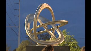 New sculpture unveiled in downtown Las Vegas