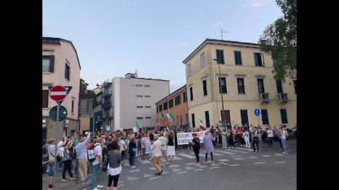 Verona 18 settembre 2021: No Green Pass in corteo