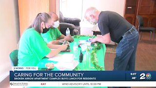 Broken Arrow apartment complex buys lunch for residents