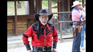 Powder Creek Cowboys - The Feed Store