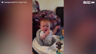 "Baby elsker at se ""The Office""!"