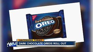 Dark chocolate Oreos roll out