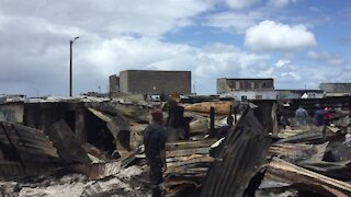 South Africa - Cape Town - Vrygrond Fire (Video) (zFU)