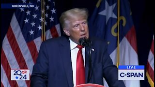 Live: Former President holds rally in Ohio