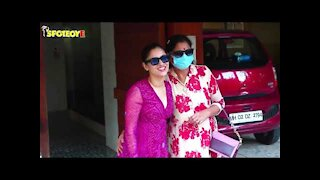 Ankita Lokhande Rushes To Pose For Paps, Forgets To Wear Her Mask But Says She&rsquo