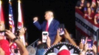 TRUMP DANCE ! President Donald J. Trump does his signature dance.