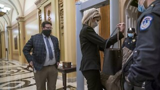 Lawmakers Screened Before Entering House Chamber