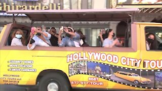 Tourists Trickle Back Into Hollywood