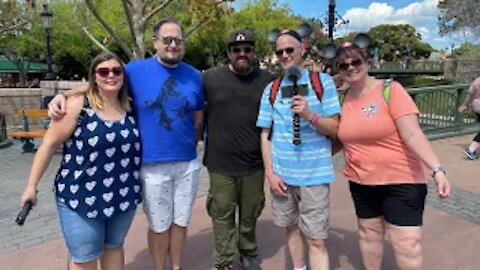 Epcot Day 2 Part 2: Bumped into Disney Vloggers and First time eating at Beaches and Cream