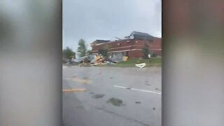 Homes and street damaged as tornado appears to sweep through Barrie