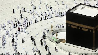 Muslims Open Ramadan With COVID Protocols