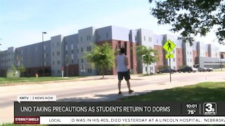 UNO requiring masks, testing for unvaccinated students living on campus