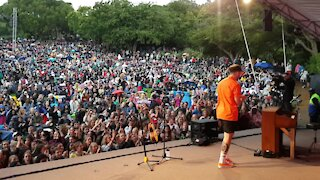 SOUTH AFRICA - Cape Town - Matthew Mole performs at Kirstenbosch Summer Sunset Concerts (Video) (mFT)