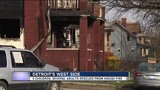 5 children hospitalized after apartment building fire in Detroit