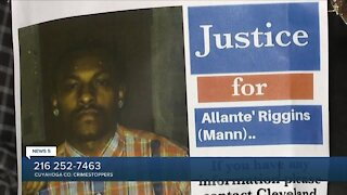 Reward offered in case of 27-year-old man shot, killed at Cleveland shopping plaza
